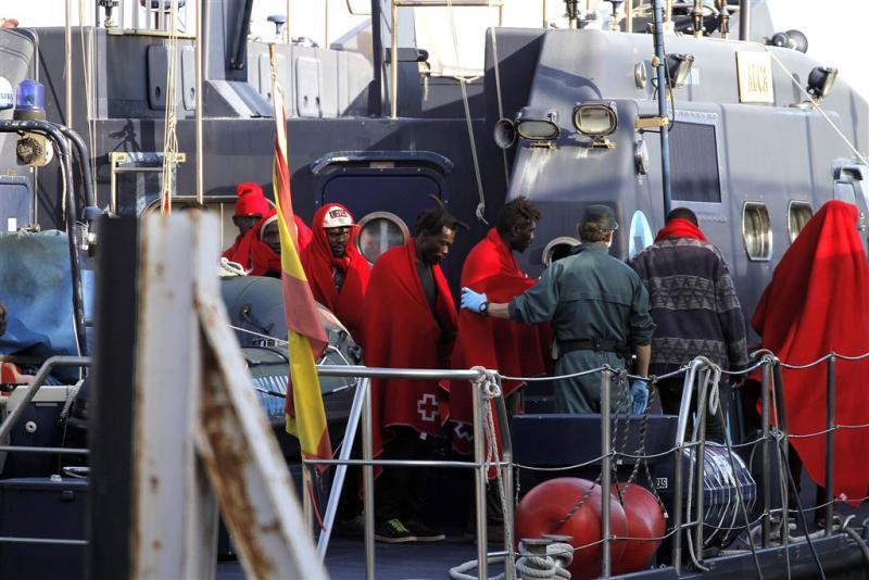 'Schiet op boten met illegale vluchtelingen'