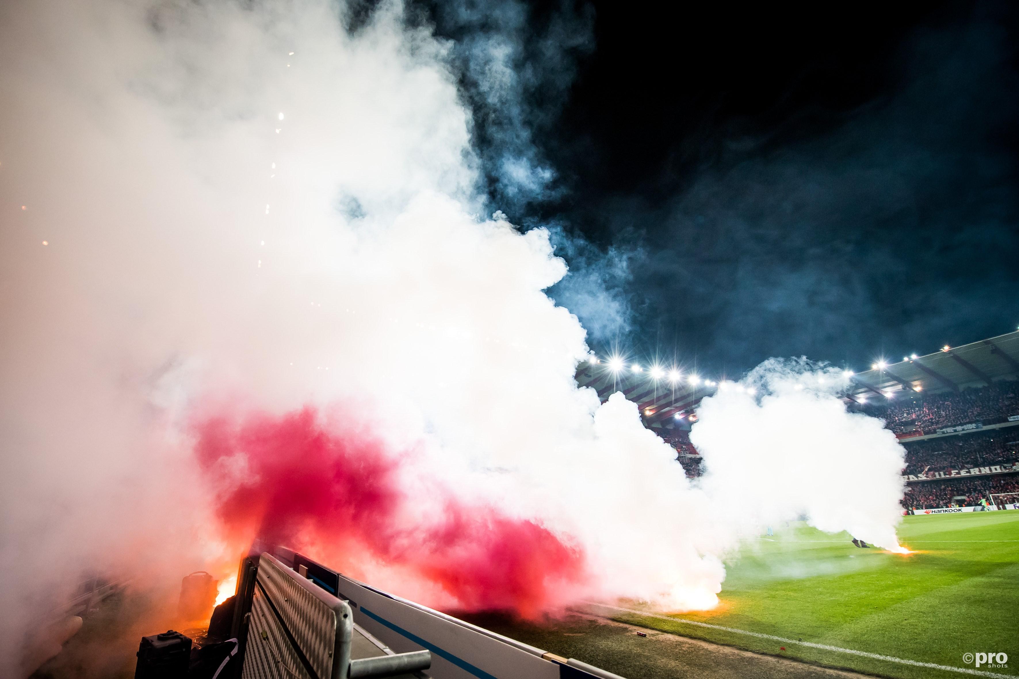 Ajax zal een boete kunnen verwachten na het vuurwerk. (PRO SHOTS/Ronald Bonestroo)