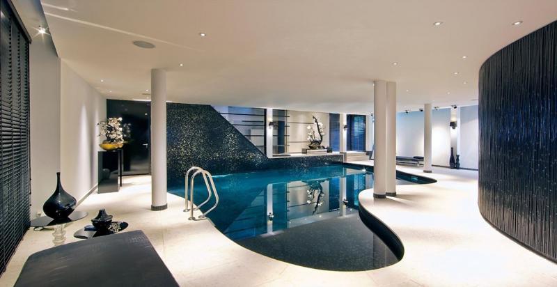 Villa Vught (zwembad)  (Foto: Funda)