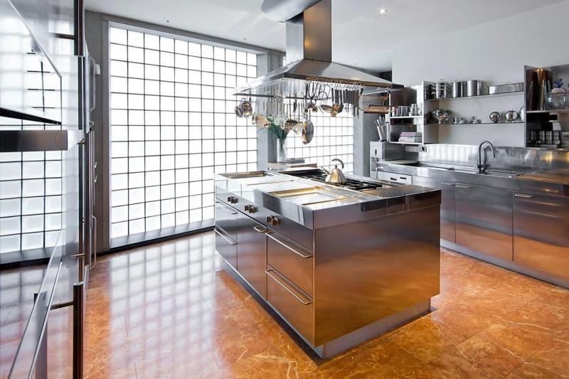 Villa Vught (bling bling keuken) (Foto: Funda)