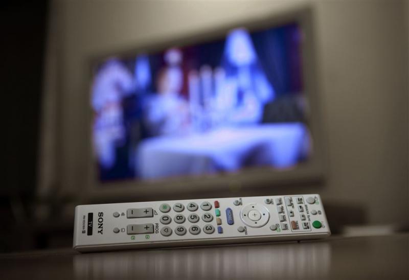 Radio en tv verliezen terrein onder tieners