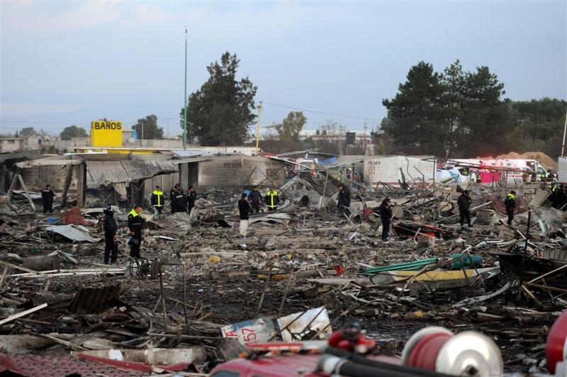 Tientallen doden bij vuurwerkexplosie Mexico