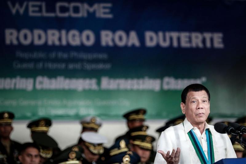 Na drugs pakt Duterte nu gokken aan