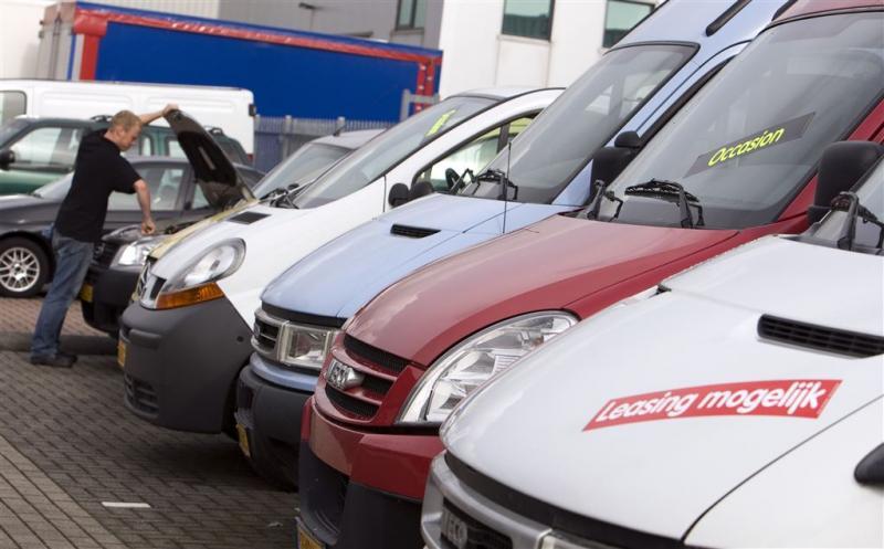 Bedrijfswagenverkoop herstelt van oktoberdip