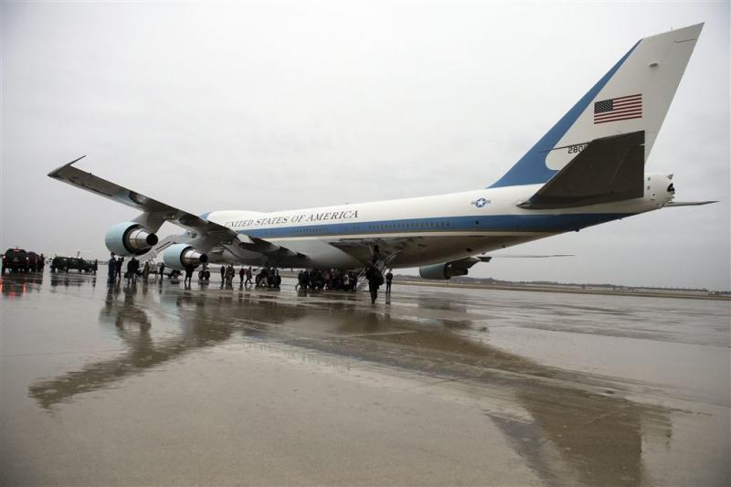 Boeing belooft Trump goedkopere Air Force One