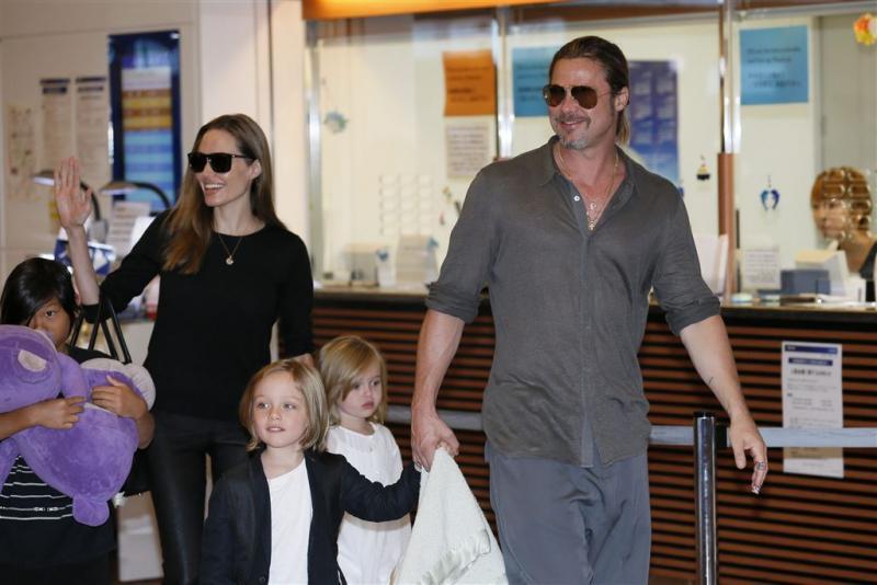 Brad: Angelina schendt privacy kinderen