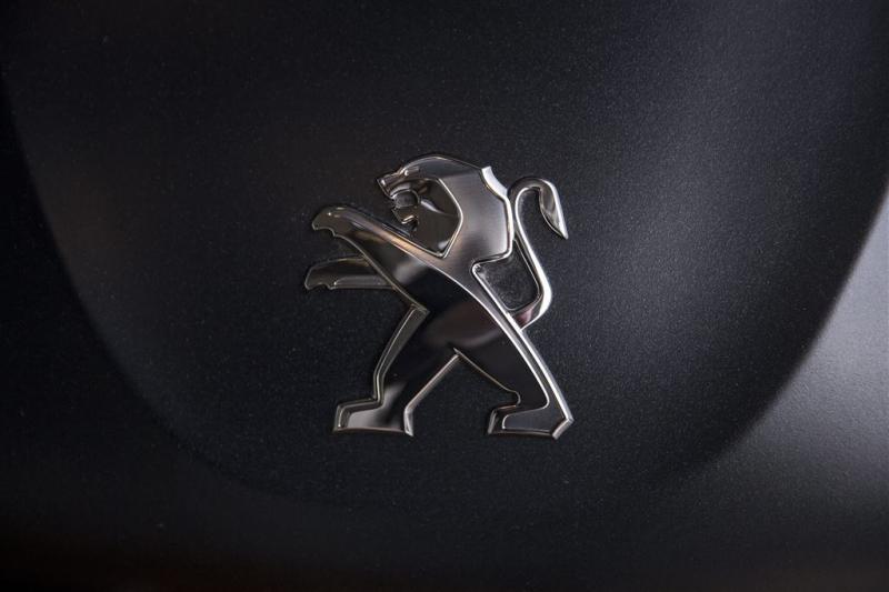 'Peugeot wil het doen met minder showrooms'
