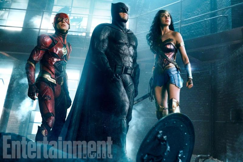 Justice League: Ezra Miller, Ben Affleck en Gal Gadot (Foto: Entertainment Weekly)