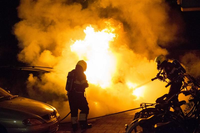 Politie onderzoekt autobranden Utrecht