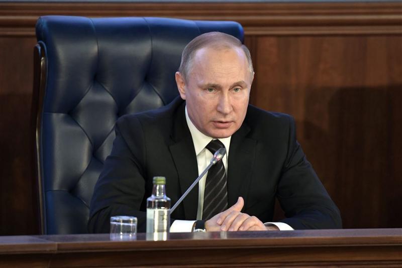 Poetin bedankt Russen