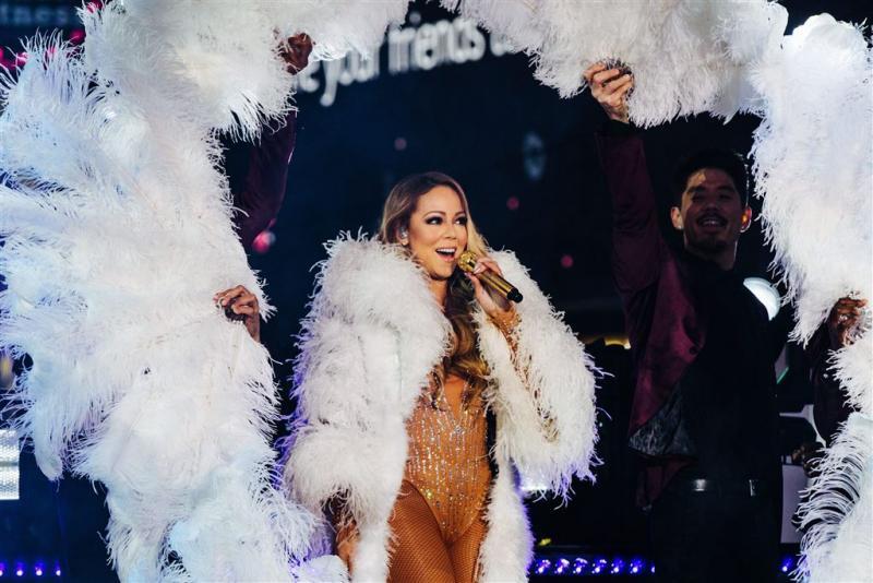 Nieuwjaarsoptreden Mariah Carey de mist in