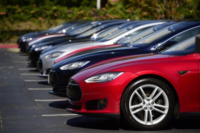 Verkopen autobouwer Tesla vallen tegen