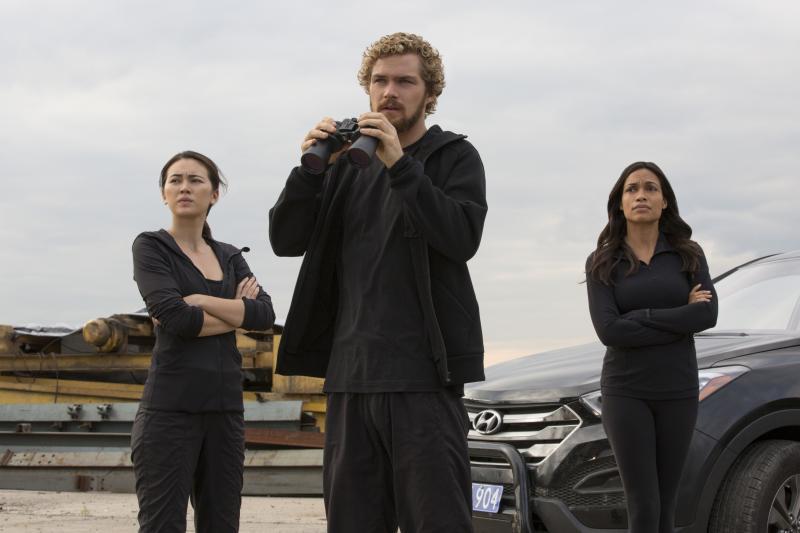 Iron First: Jessica Henwick, Finn Jones, Rosario Dawson (Foto: Cara Howe/Netflix)