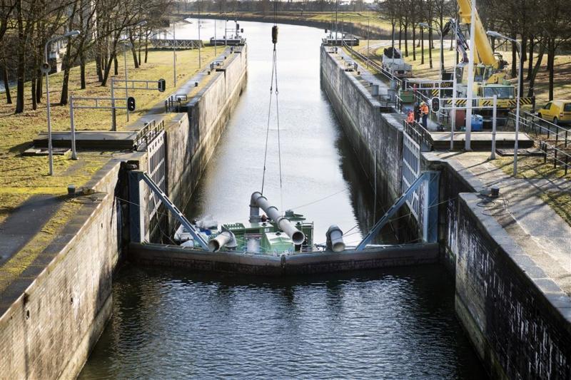 Maas-Waalkanaal zondag mogelijk weer open
