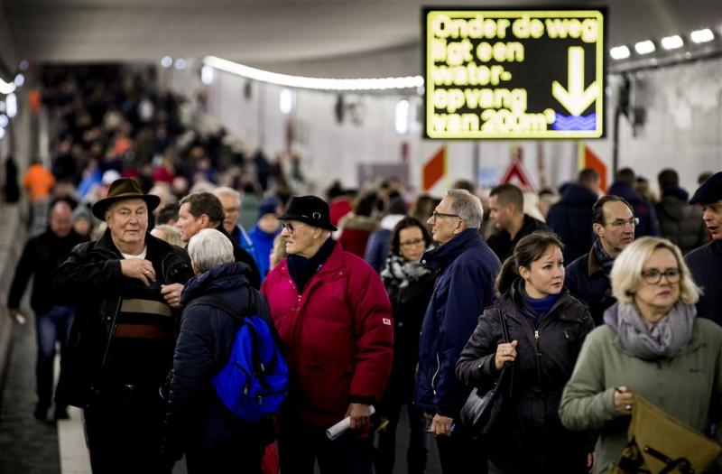 Open huis Velsertunnel trekt 10.000 man