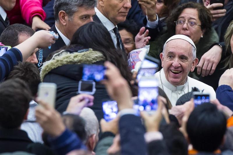 Paus aanvaardt de risico's van het vak