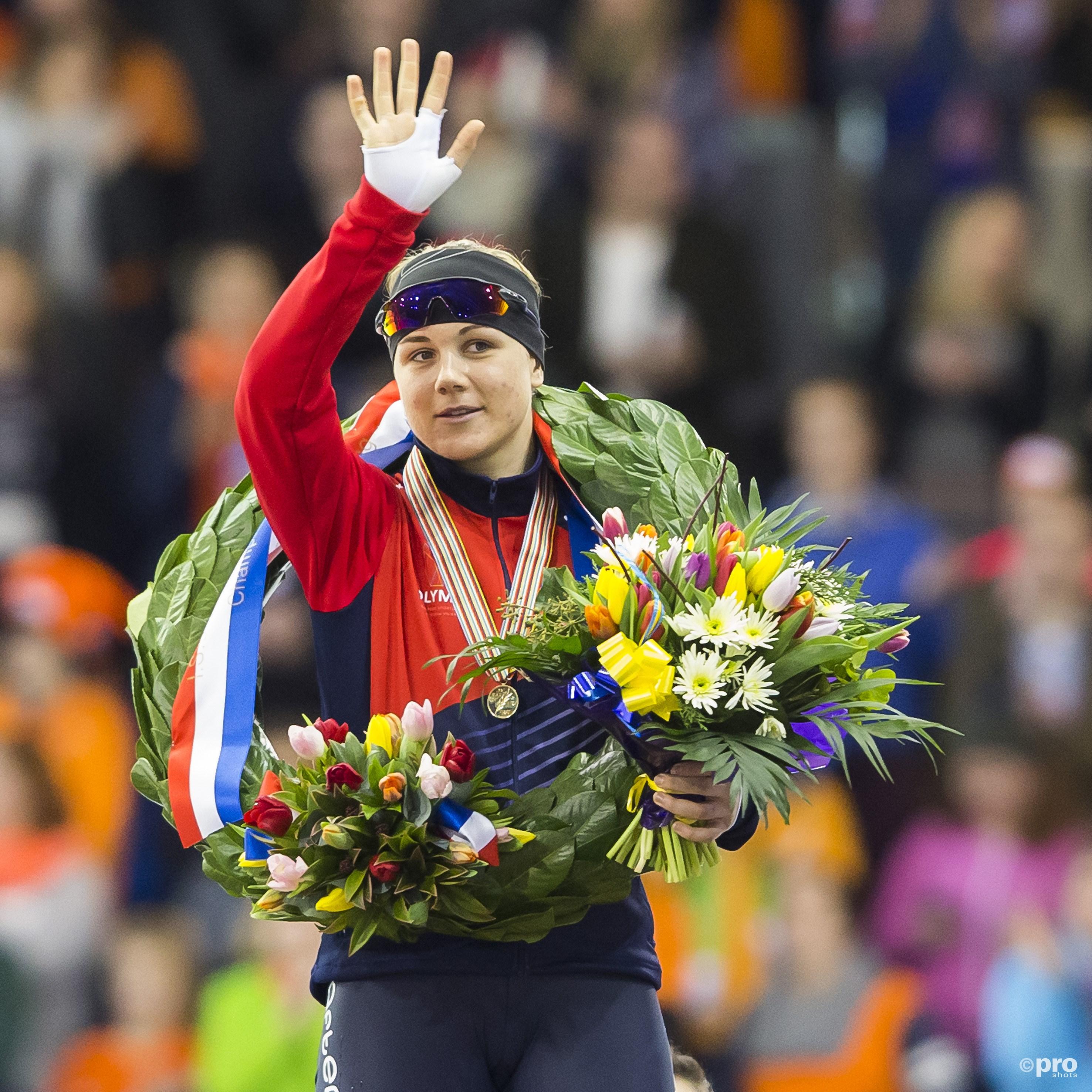 Erbanova zegeviert op de sprint. (PRO SHOTS/Erik Pasman)