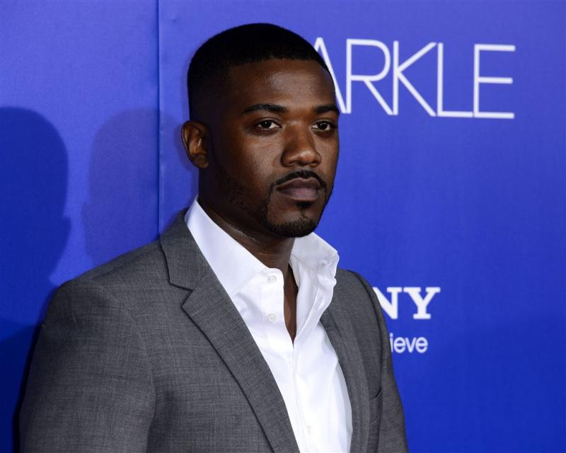 Ray J verlaat Big Brother met kiespijn