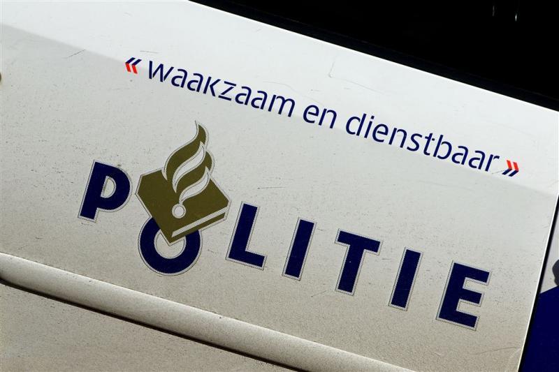 Politieactie bij clubhuis No Surrender Emmen