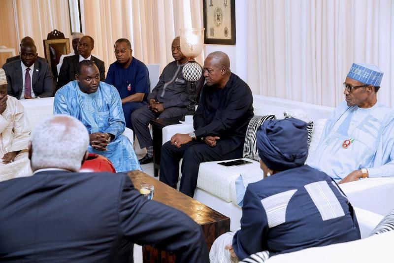 West-Afrika klaar om Gambia binnen te vallen