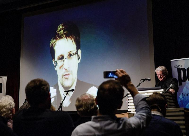 Snowden mag langer in Rusland blijven