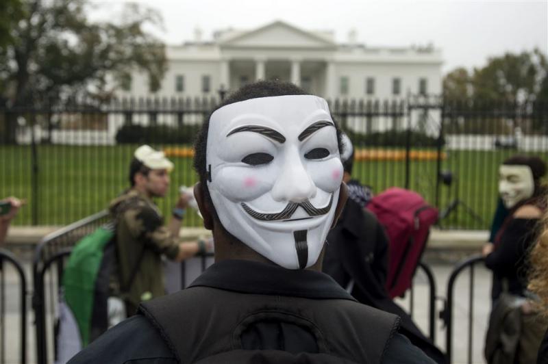 Anonymous dreigt Trump met aanval