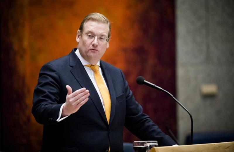 Van der Steur zegt werkbezoek aan Vught af