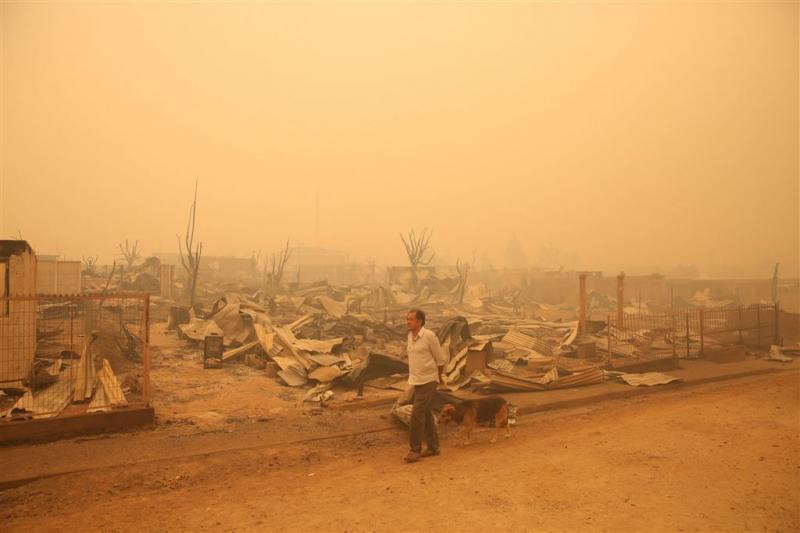 Dodental bosbranden Chili loopt op