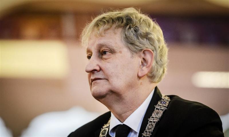 Burgemeester Van der Laan heeft longkanker