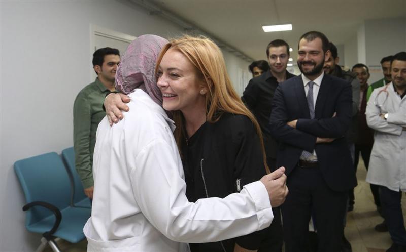 Lindsay Lohan ontmoet Twittermeisje Aleppo