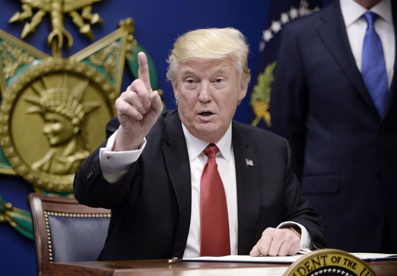 Trump geeft zichzelf een pluim