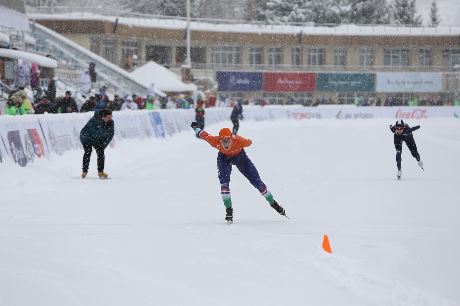 In omstandigheden die deden denken aan Barbara de Loor's wereldtitel in Inzell in 2005 werd Aveline Hijlkema op plek zeven de beste Nederlandse (Foto: Almaty2017.com)