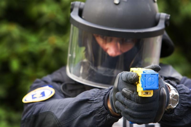 Politie start proef met stroomstootwapens