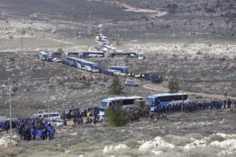 Israël begint met ontruiming Amona