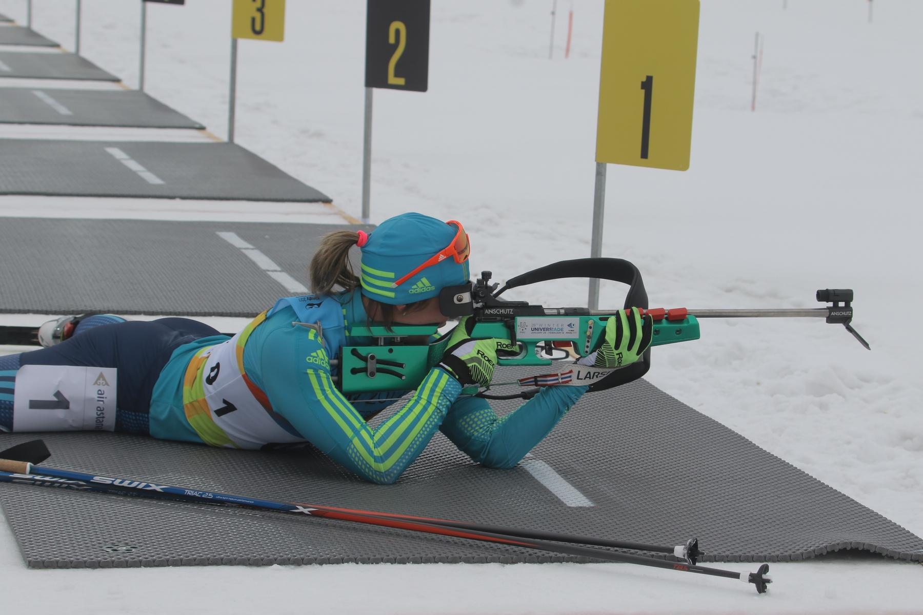 Vishnevskaya bij de eerste schietbeurt, toen er nog niks aan de hand was... (Foto: Almaty2017.com)