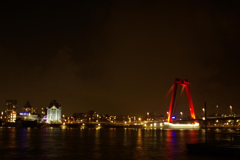Roterdam by night (Foto: Disbatch)