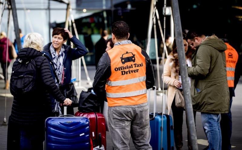 Rechter: taxiverbod Schiphol terecht