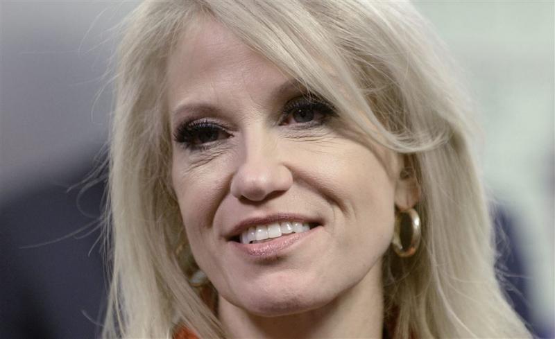 Conway maakt reclame voor werk Ivanka Trump