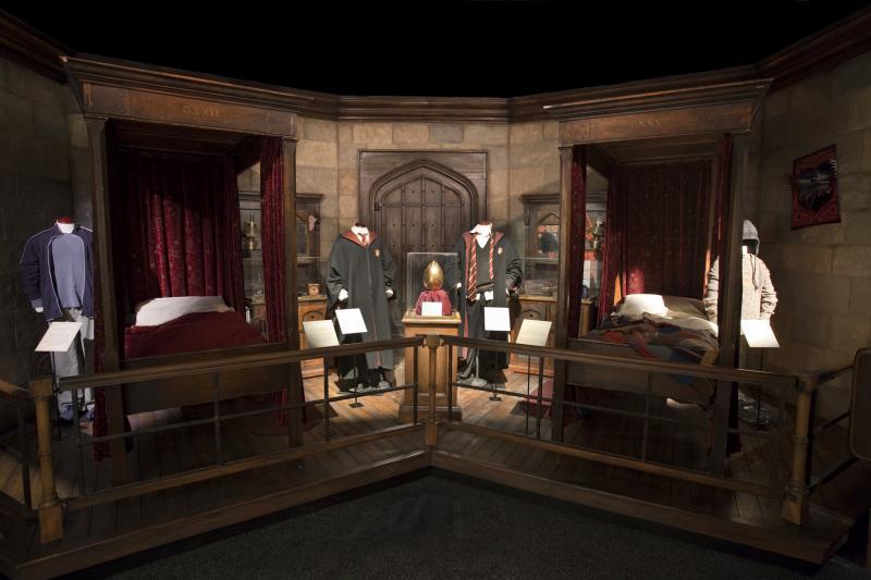 De slaapkamer van Harry, inclusief kostuum zijn ook te bewonderen!