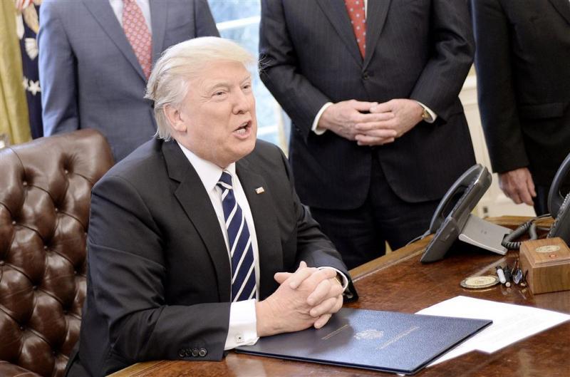 'Medewerkers Trump hadden contact met Russen'