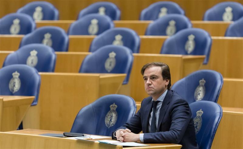 VVD hamert op totaal boerkaverbod