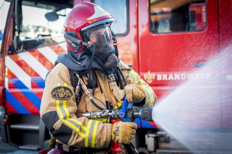 Vrouw vrijuit voor fatale brand Emmen