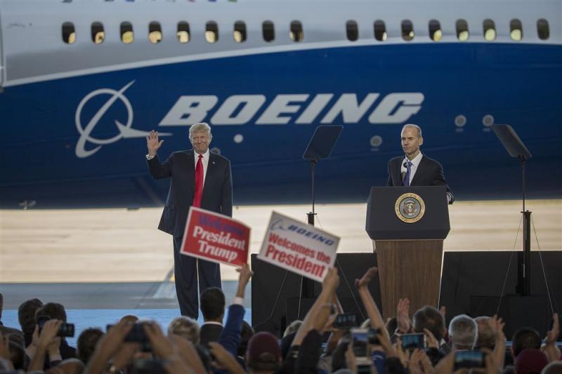 Trump belooft opnieuw banen VS te beschermen