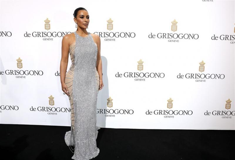 Kim Kardashian weer terug naar brunette