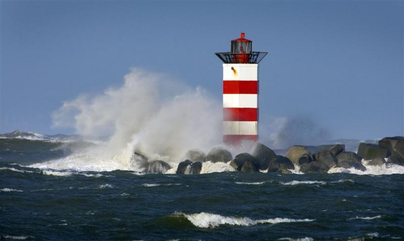 Waarschuwing zeer zware windstoten