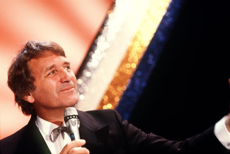 Cabaretier Henk Elsink overleden