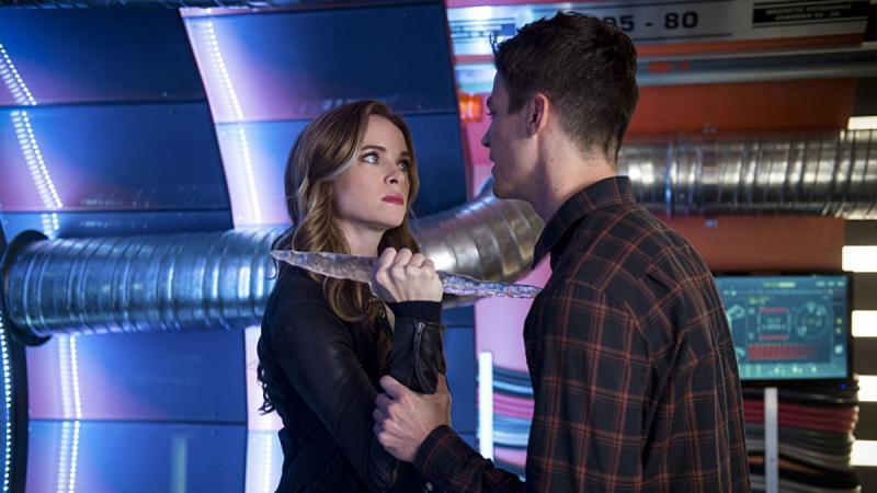 The Flash: Danielle Panabaker en Grant Gustin