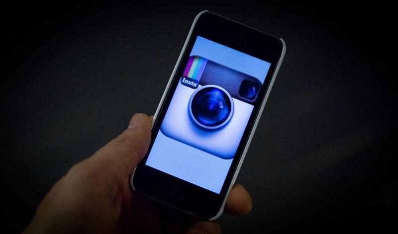 Meisjes vast om naaktfoto's op Instagram