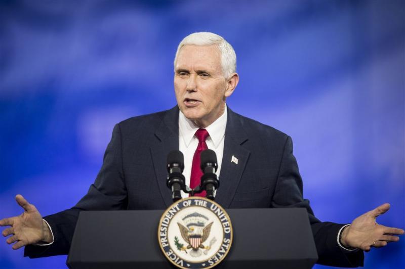 Vicepresident Pence gebruikte privémail