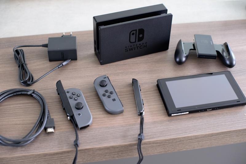 Switch uitgepakt (Foto: Pheno)